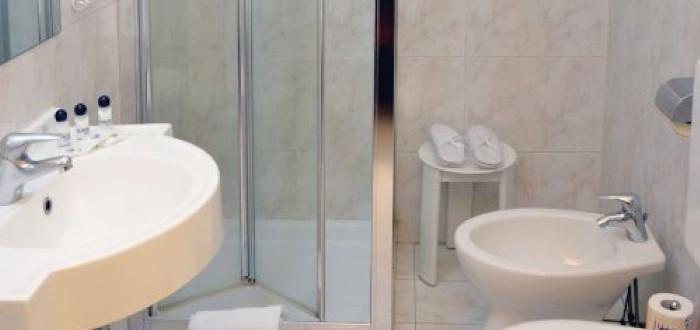Chambre simple hotel aurora milano for Hotel aurora milano